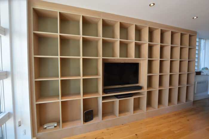Fitted TV | Bookcase shelves
