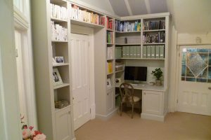 Bespoke study shelving and desk