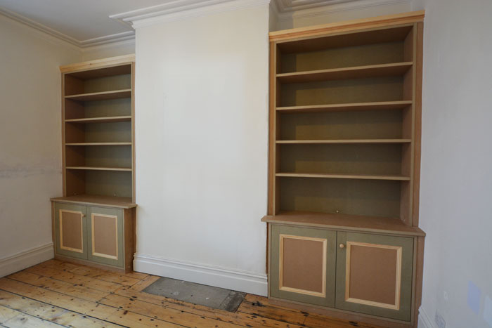 Traditional bespoke alcove shelving & bookcase Bristol